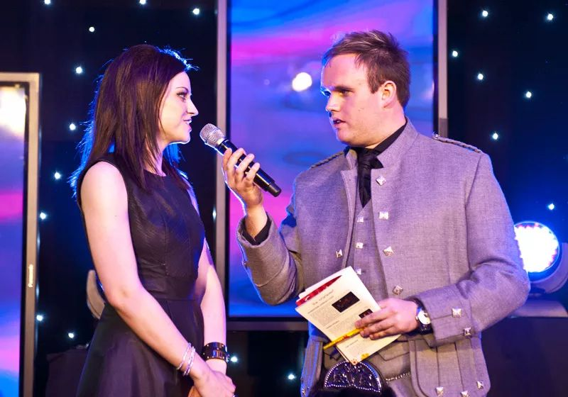 chatting on stage with Amy MacDonald