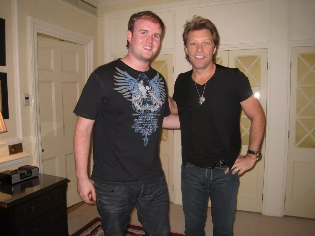 Taking a photo with Bon Jovi